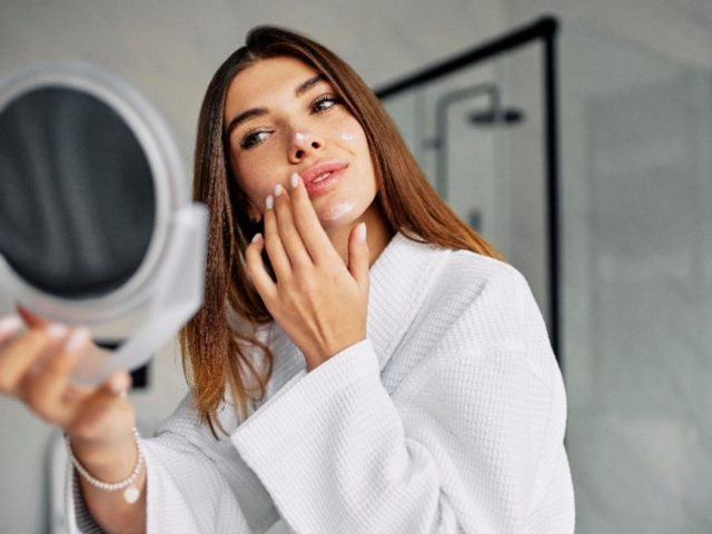 top-5-skin-care-mistakes-youre-making-that-cause-dry-skin